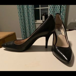 Michael Kors Black leather pumps